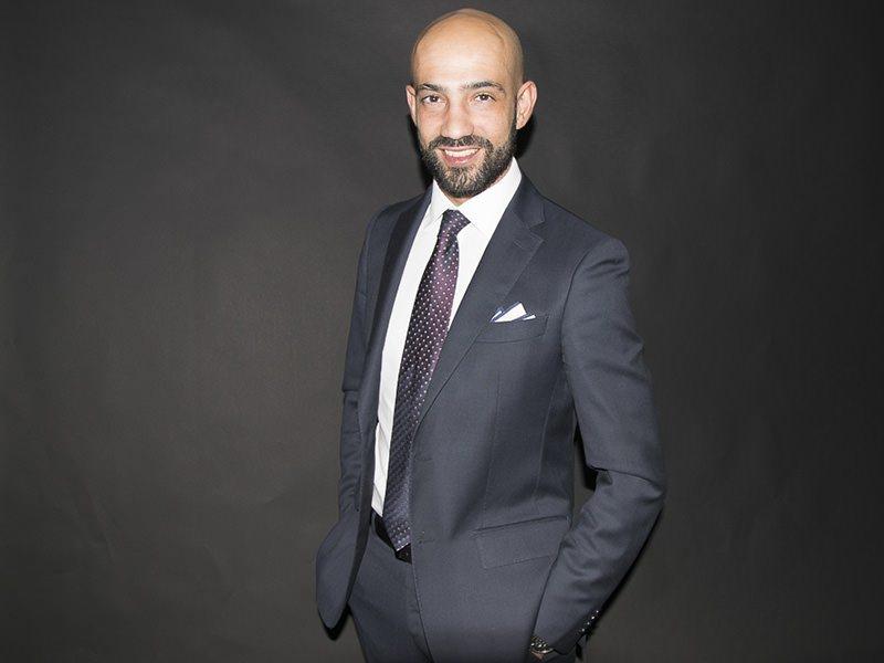 Luca Lixi in abito