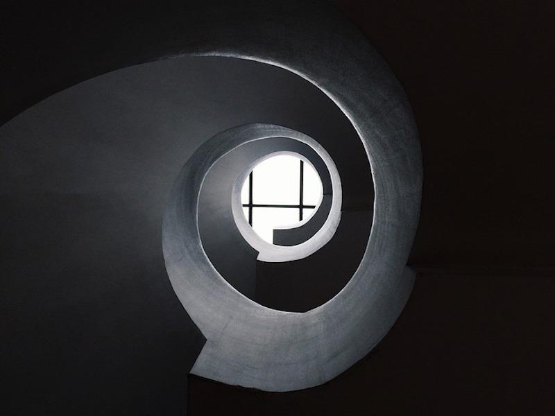 Michele Mari | La stanza vuota, i mostri e la spirale infinita